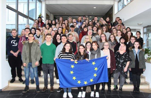 75 Schüler aus dem Berufskolleg Bergkloster Bestwig absolvieren in den kommenden Wochen ein Auslandspraktikum. Foto: Ingo Seidel/SMMP