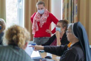 Bei dem anschließenden pädagogioschen Arbeitstag beschäftigten sich die Lehrerinnen und Lehrer mit dem Thema Digitalisierung - auch hier werden Weichenstellungen für das Schulprofil vorgenommen. Foto: SMMP/Ulrich Bock