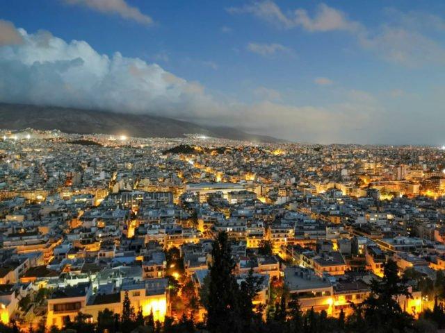 Blick über Athen. Hoffentlich können Erasmus-Praktikantinnen und -praktikanten solche Ausblicke auch ab Sommer 2021 wieder genießen. Foto: Wiebke Droege